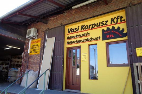 vasi-korpusz-1C2527984-0125-F1F4-9182-BDE6C3B457E9.jpg